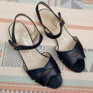 Vtg Ferragamo Midnight Blue Leather Sandals